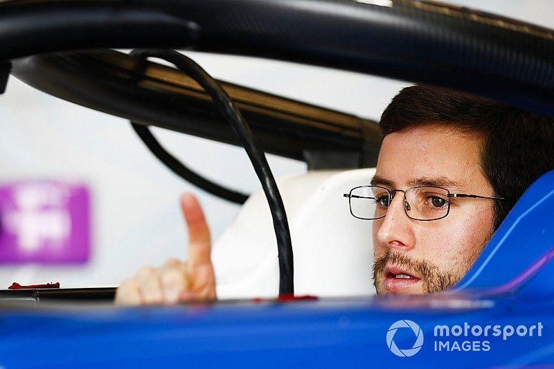 «Это какой-то гоночный день сурка». Пилот BMW в Формуле Е «искусал себе все локти» после гонки в Китае