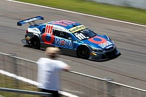 Barrichello vence corrida 1 em Londrina após azar de Fraga