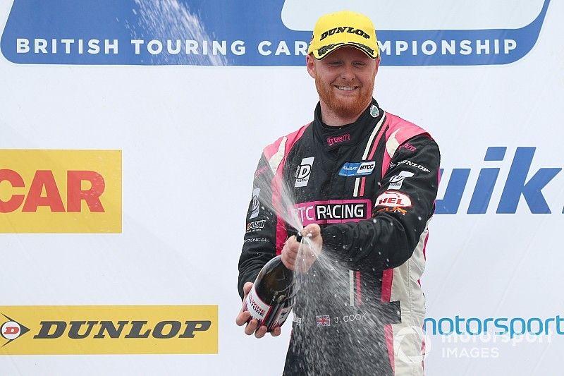 Thruxton BTCC: Cook wins Race 2 after double pass
