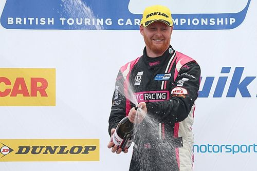 Thruxton BTCC: Cook wins Race 2 after double pass
