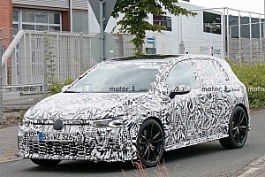 Motor1: Flagra - Novo VW Golf GTI pode chegar aos 300 cv
