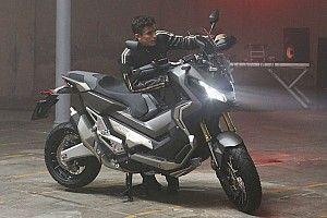 Márquez se saca la licencia de moto y... ¡decepciona al examinador!