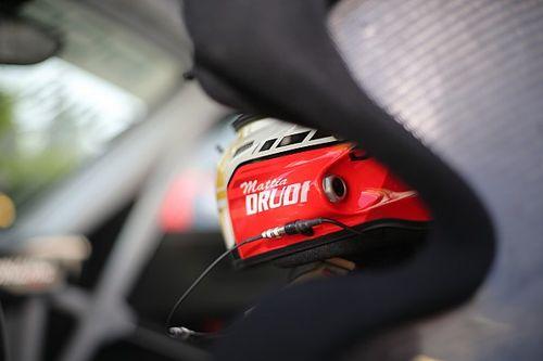 Mattia Drudi apre il weekend di Vallelunga della Carrera Cup Italia