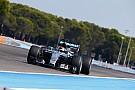 Képek a Pirelli-tesztről: a Mercedesre is felkerültek a szélesebb abroncsok