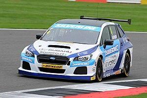 Brands Hatch BTCC: Turkington tops crazy wet-dry qualifying