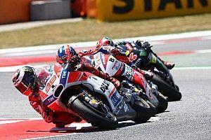 """Lorenzo: """"Si no levanto la moto cuando me pasó Márquez nos hubiéramos caído"""""""