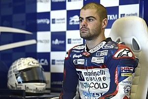 Fenati ongrijpbaar in vochtige derde vrije training Britse GP