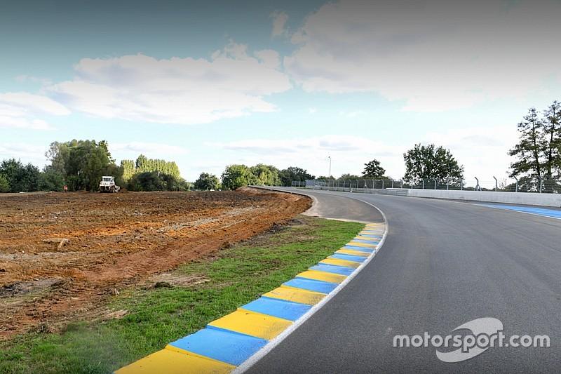Le Mans : une zone de dégagement dans les virages Porsche