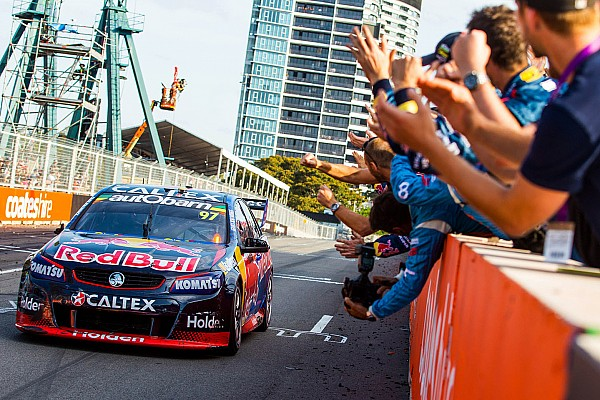 Supercars Sydney 500 Supercars: Van Gisbergen closes out title year with victory