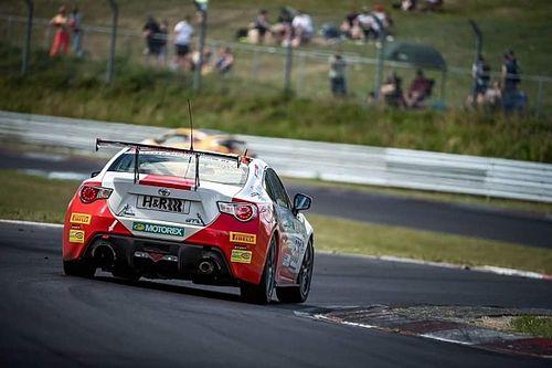 VLN: Schweizer Siege und Podestplätze beim 6-Stunden-Rennen