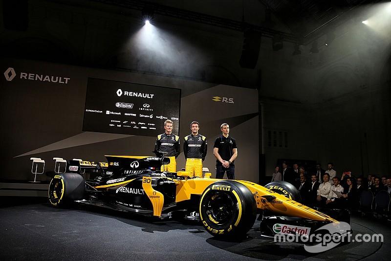 Renault: la R.S.17 gira oggi a Barcellona per il filming day