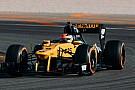 Кубица снова за рулем машины Ф1. Renault показала первые фото и видео