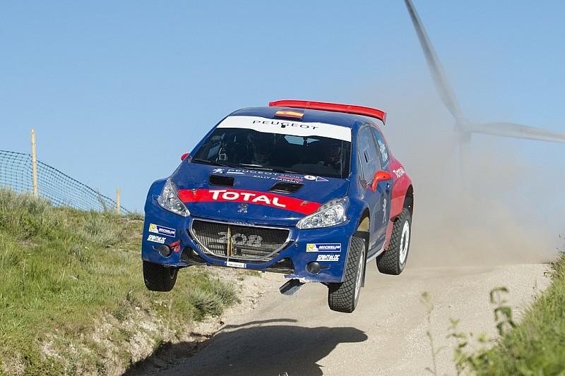 Fotogallery: Sainz dà spettacolo alla Fafe con una Peugeot T16