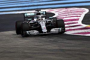 Mercedes iguala a Lotus en poles