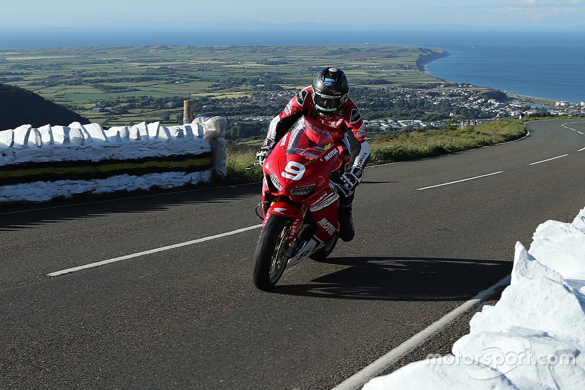 Isle of Man TT: Tuesday's Superstock race postponed