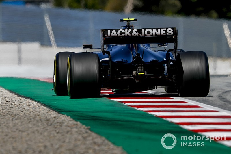Test Barcellona, Giorno 2: Magnussen batte un colpo davanti a Leclerc
