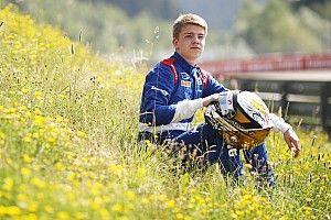 Дисквалификация соперников подняла Шварцмана на две позиции на старте субботней гонки Ф3 в Австрии