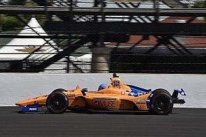 Алонсо показал 32-е время на первой тренировке перед Indy 500. У машины проблемы с электрикой