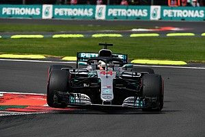Mercedes niega que su paso atrás sea por quitar las polémicas llantas