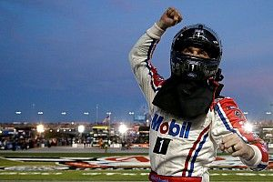 Can Harvick make it three 'clutch moments' in a row at Texas?