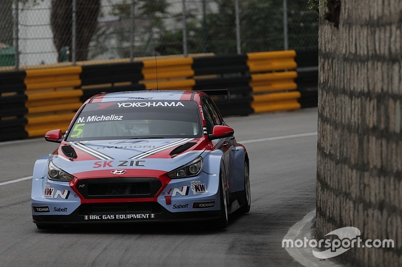 Vernay-győzelem Makaóban az első versenyen, Michelisz sérült autóval az 5.