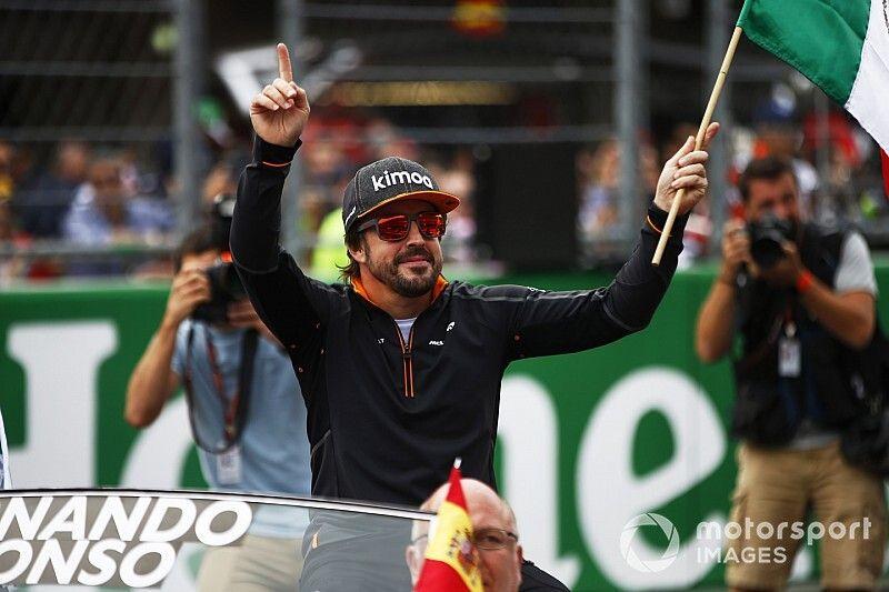 Alonso pilotará el coche de NASCAR de Johnson en Bahrein