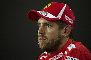 Vettel leva reprimenda e multa, mas mantém 2º lugar no grid