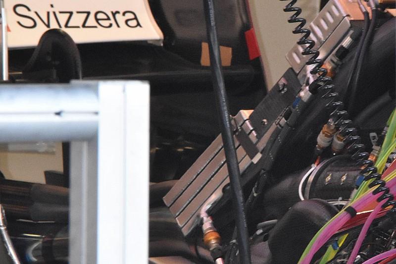 Alfa Romeo: c'è un... sandwich di radiatori sotto al cofano motore della C38