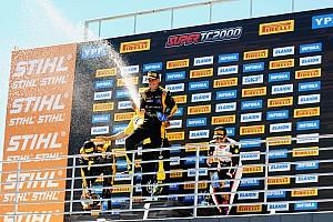 Pernía domina en un 1-2 de Renault en Córdoba