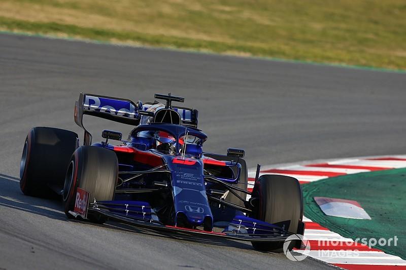 Kvyat supera Raikkonen no fim e termina dia como líder; Fittipaldi é 8º