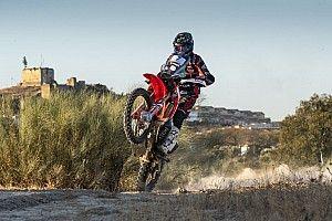 Kevin Benavides lidera en el inicio en Andalucía