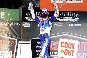 Harvick wins Southern 500 as Truex and Elliott collide