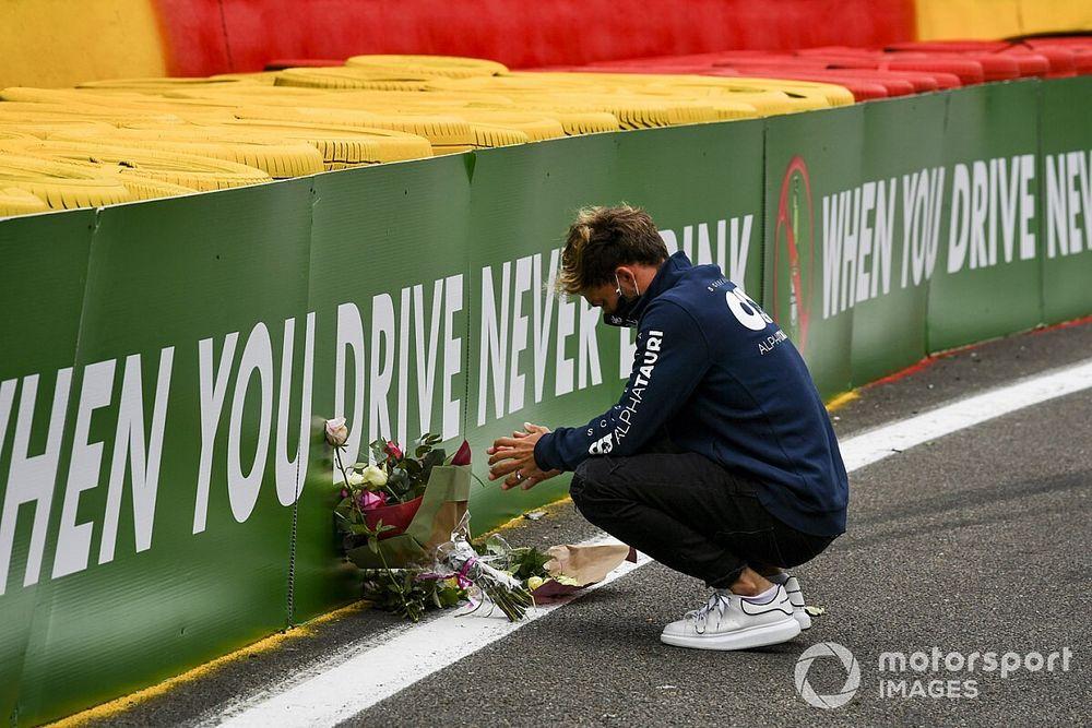 """Grid da F1 diz que morte de Hubert ainda é """"difícil de acreditar""""; Gasly anuncia capacete em homenagem ao piloto"""