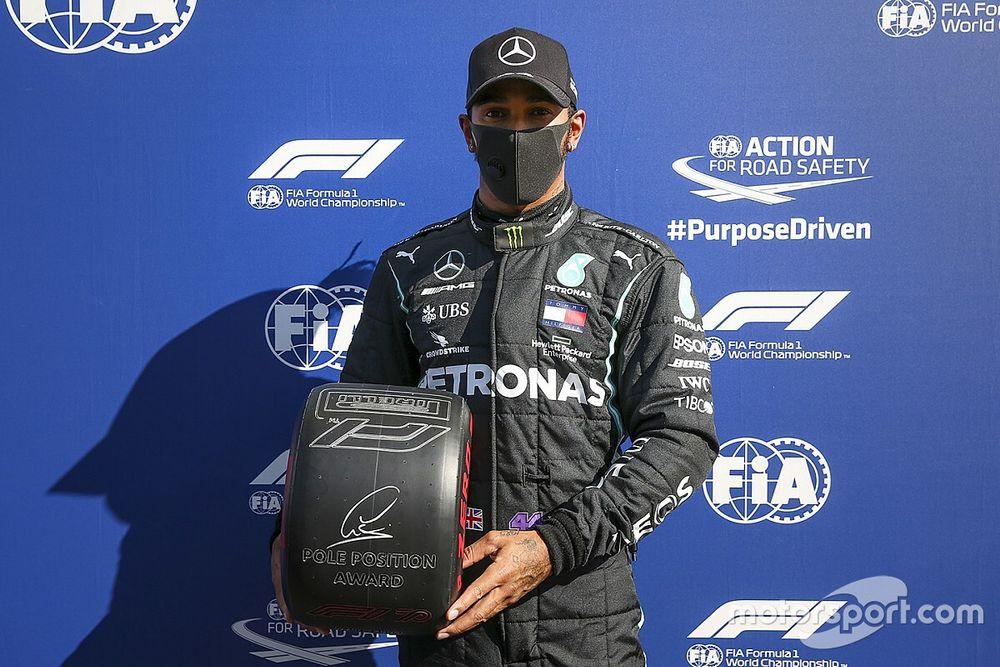 Hamilton verslaat Bottas voor pole in Toscane, Verstappen derde