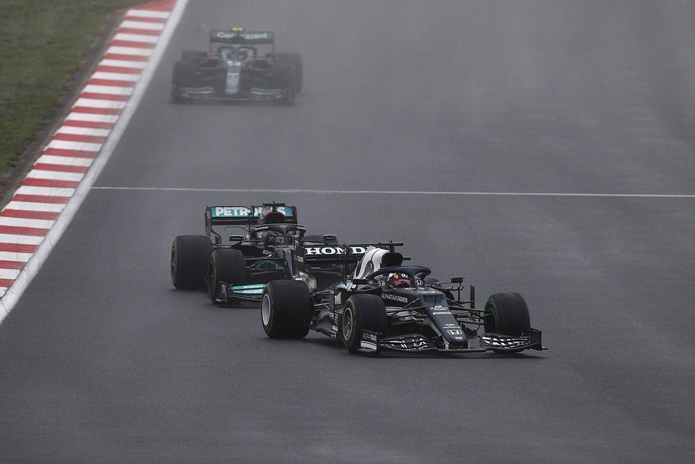 """Tsunoda: """"Hamilton'ı mümkün olduğunca tutmaya çalıştım"""""""