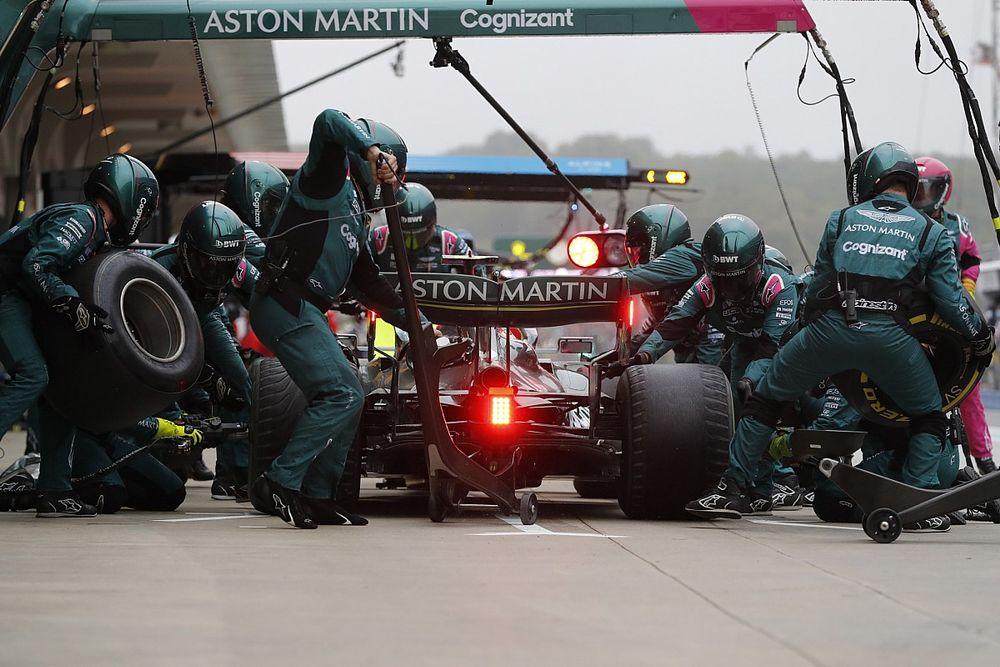 """A korábbi pilóta """"oltári hülyeségnek"""" titulálta Vettel slickes kockáztatását"""