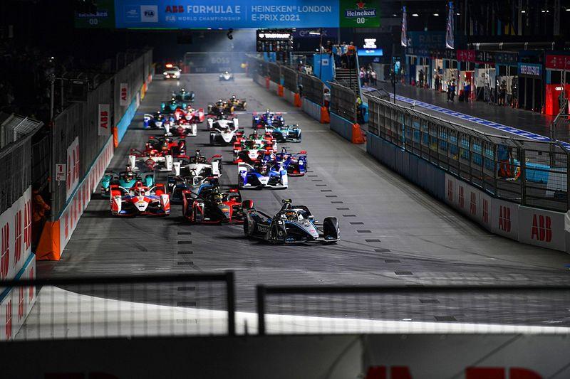 Lynn wint London E-Prix II, De Vries en Frijns leiden kampioenschap