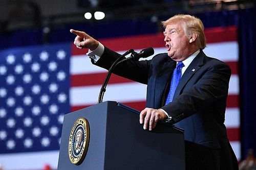 Cicaharc: a legnagyobb amerikai gumicég bojkottjára szólított fel Donald Trump egy kép miatt