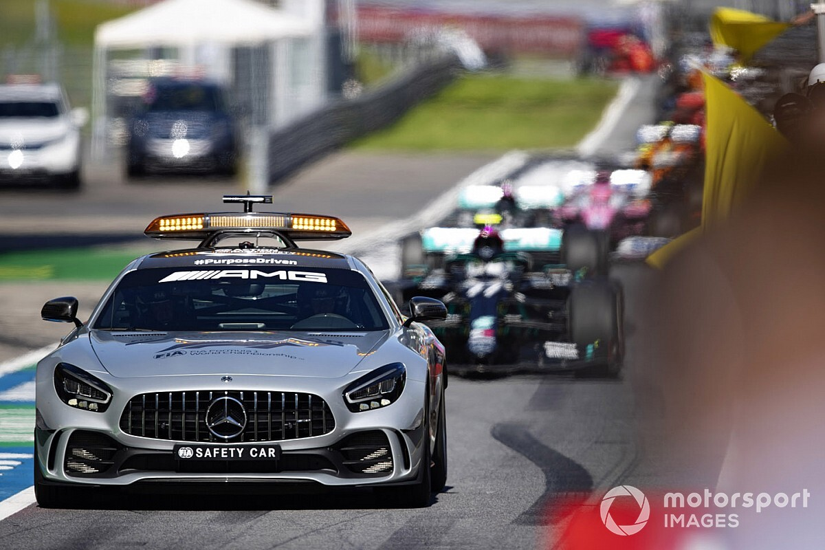"""Már a Hungaroringen a Mercedes """"különleges szállítmánya"""" (kép)"""