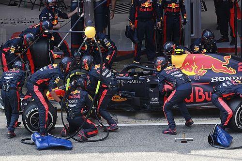 Босс Red Bull объяснил решение, стоившее Элбону пятого места