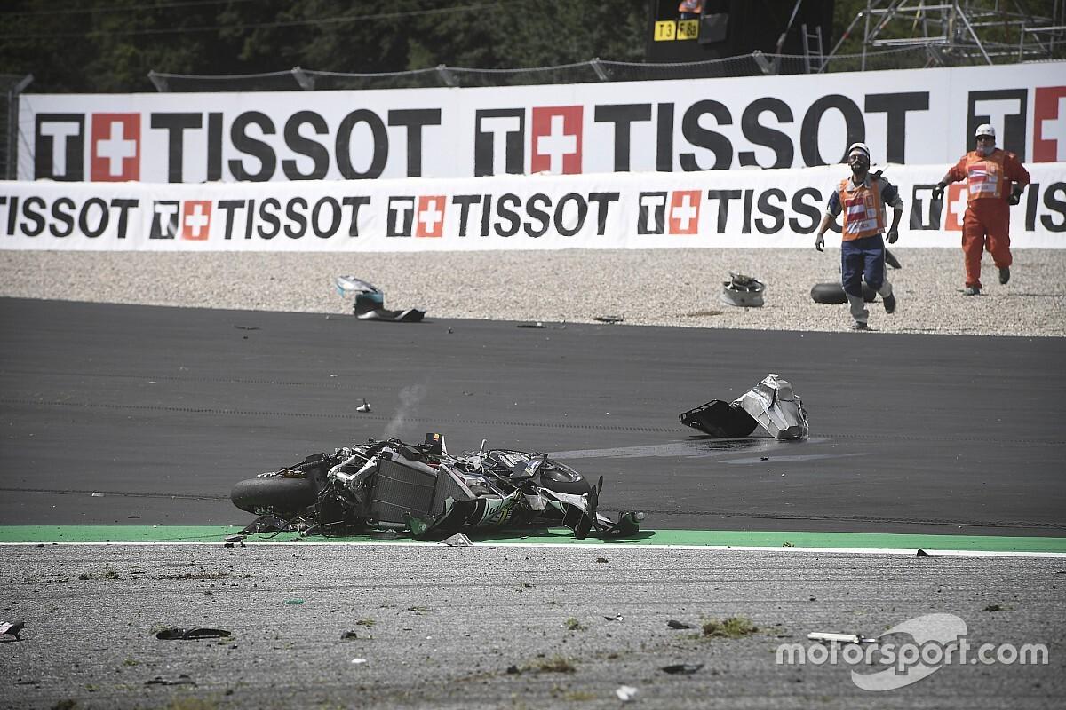 MotoGP past bocht 3 in Oostenrijk aan na megacrash