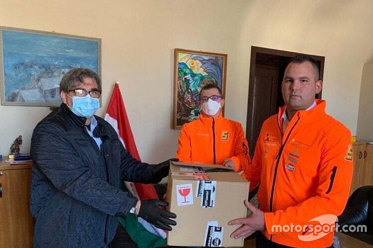 Maszkokkal segít a Gulf Racing Hungary csapata a koronavírus idején