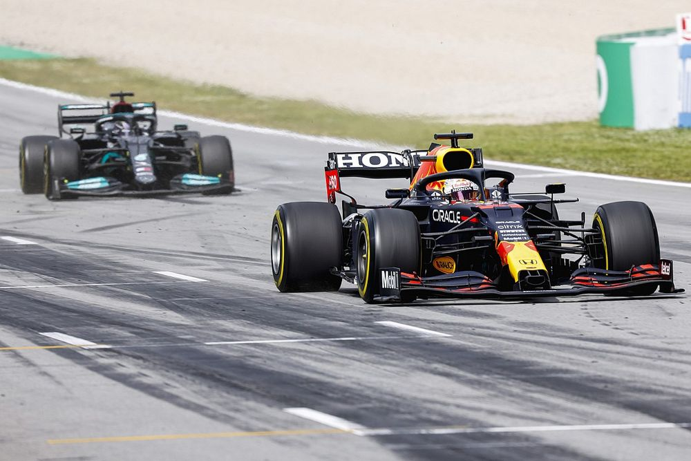 """Brown: Hamilton and Verstappen crash is a """"matter of time"""""""