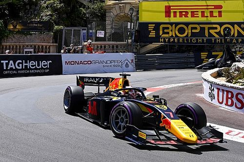 Lawson dominant naar F2-zege op opdrogende baan in Monaco