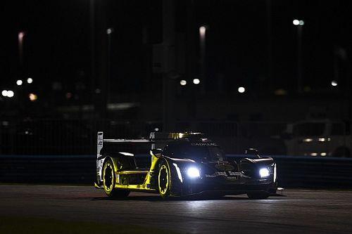Три экипажа на Cadillac захватили лидерство в «24 часах Дайтоны» на середине гонки