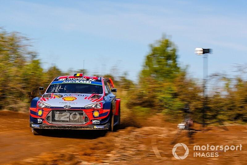 Katalonya WRC: Neuville liderliğe çıktı, Meeke kaza yaptı