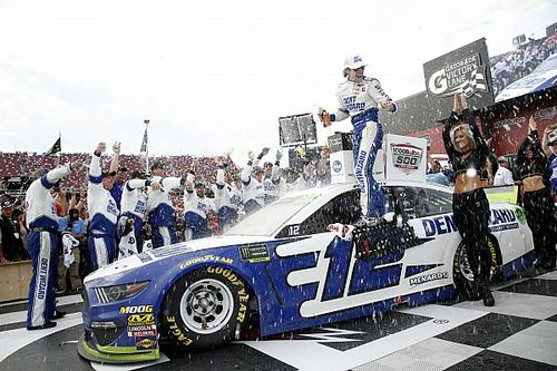 Blaney beats Newman in thrilling photo finish at Talladega