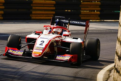 Macau GP: Armstrong tops record-breaking opening practice