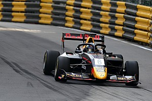 Macau GP: Vips tops crash-shortened practice