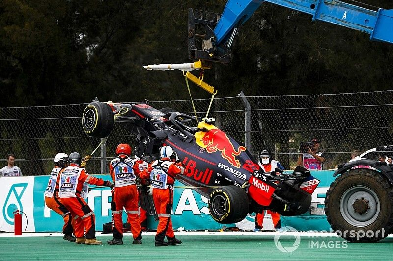 """Red Bull """"thin"""" on spare parts after Albon crash"""